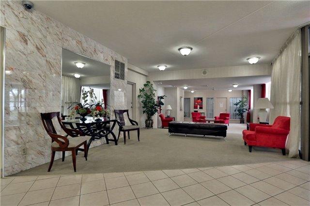 Condo Apartment at 2323 Confederation Pkwy, Unit Ph5, Mississauga, Ontario. Image 9