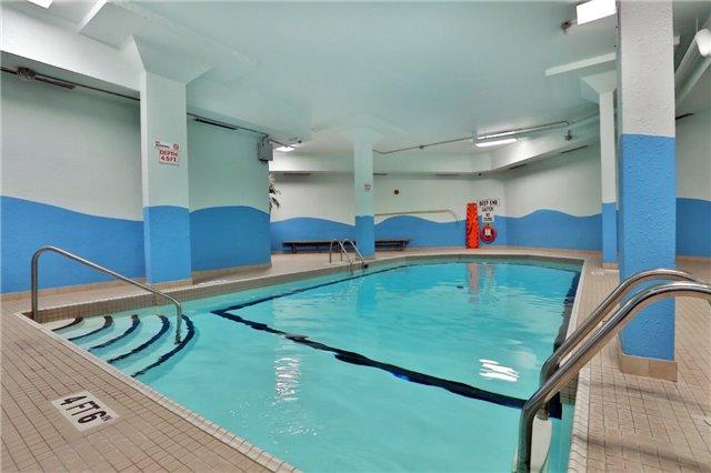 Condo Apartment at 2323 Confederation Pkwy, Unit Ph5, Mississauga, Ontario. Image 3