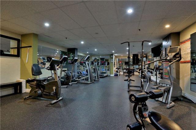 Condo Apartment at 2323 Confederation Pkwy, Unit Ph5, Mississauga, Ontario. Image 4
