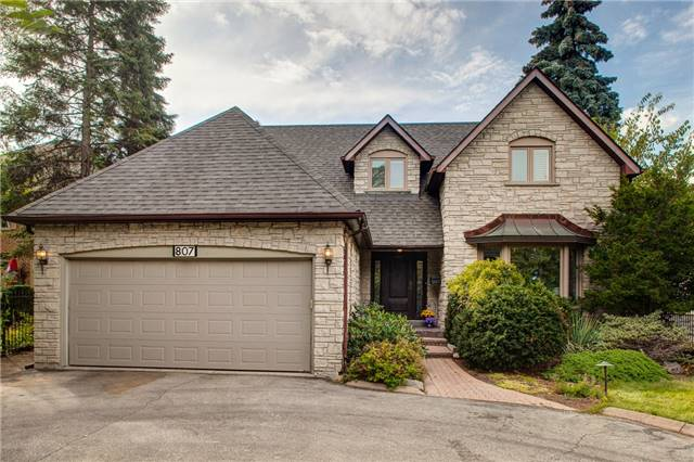 Detached at 807 Indian Rd, Mississauga, Ontario. Image 1
