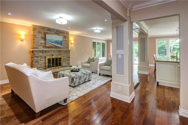 Detached at 807 Indian Rd, Mississauga, Ontario. Image 16