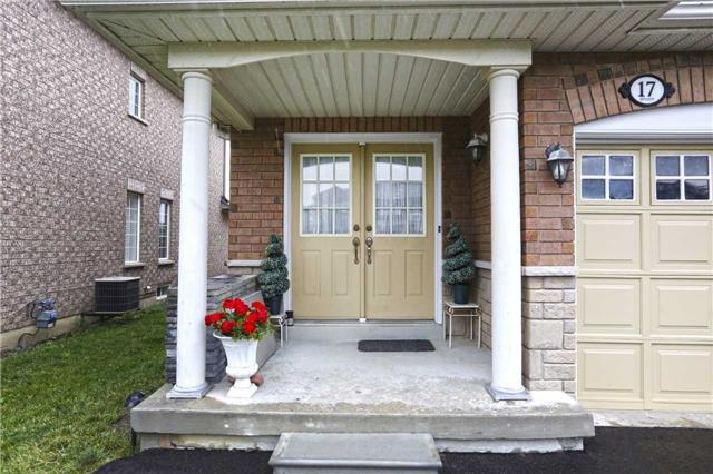Townhouse at 17 Checkerberry Cres, Brampton, Ontario. Image 8
