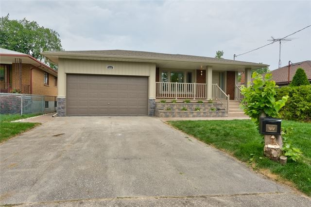 Detached at 1223 Ogden Ave, Mississauga, Ontario. Image 1