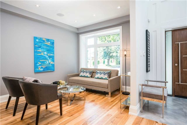 Detached at 33 Shaver Ave N, Toronto, Ontario. Image 15