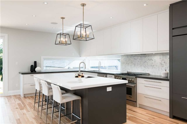 Detached at 33 Shaver Ave N, Toronto, Ontario. Image 2