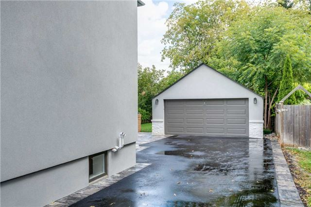 Detached at 33 Shaver Ave N, Toronto, Ontario. Image 3
