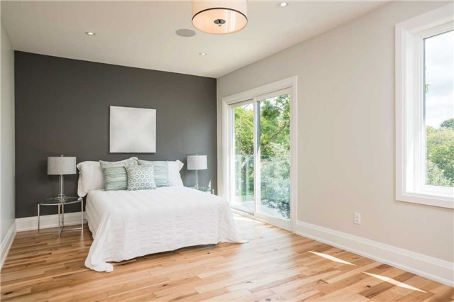 Detached at 33 Shaver Ave N, Toronto, Ontario. Image 11