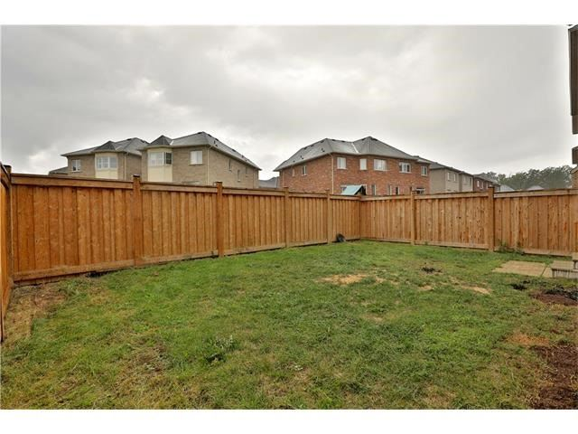 Detached at 346 Cedar Hedge Rd, Milton, Ontario. Image 13