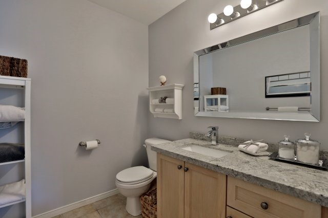 Condo Townhouse at 2189 Postmaster Dr, Unit 9, Oakville, Ontario. Image 5