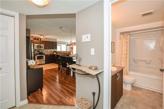 Condo Apartment at 1340 Main St E, Unit 314, Milton, Ontario. Image 10