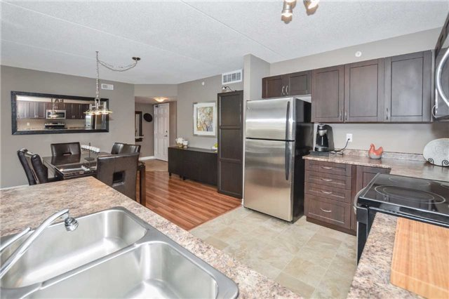 Condo Apartment at 1340 Main St E, Unit 314, Milton, Ontario. Image 14