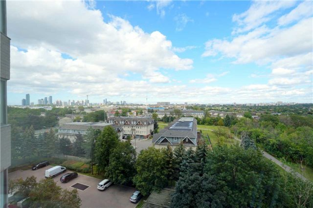 Condo Apartment at 880 Dundas St W, Unit 806, Mississauga, Ontario. Image 2