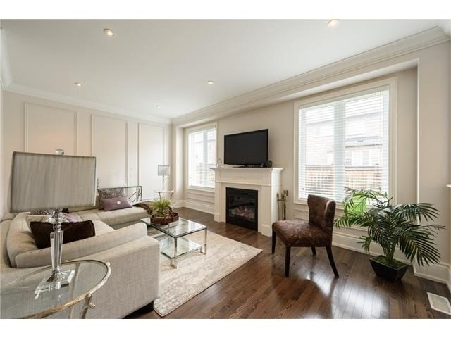 Detached at 3113 Gladeside Ave, Oakville, Ontario. Image 14