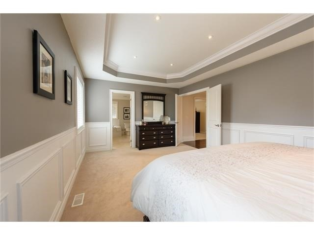 Detached at 3113 Gladeside Ave, Oakville, Ontario. Image 3