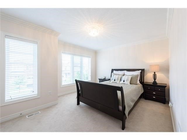 Detached at 3113 Gladeside Ave, Oakville, Ontario. Image 4