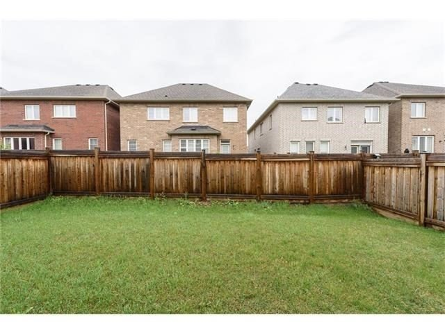 Detached at 3113 Gladeside Ave, Oakville, Ontario. Image 11