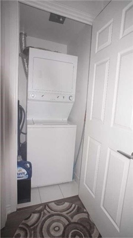 Condo Apartment at 15 James Finlay Way, Unit 917, Toronto, Ontario. Image 18