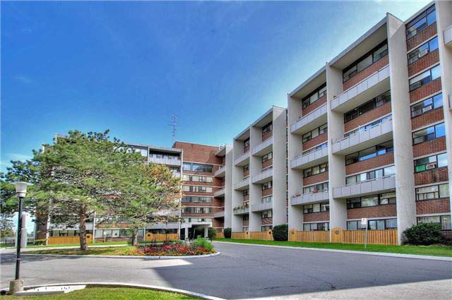 Condo Apartment at 2121 Roche Crt, Unit 628, Mississauga, Ontario. Image 1