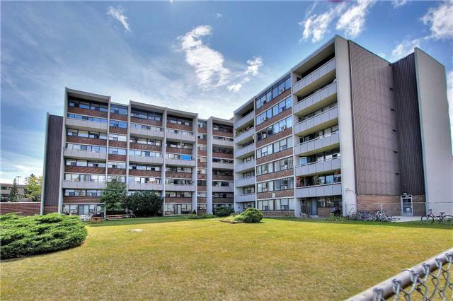 Condo Apartment at 2121 Roche Crt, Unit 628, Mississauga, Ontario. Image 14