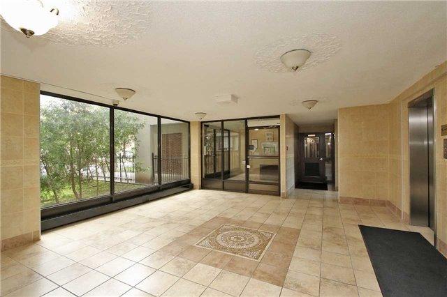 Condo Apartment at 2121 Roche Crt, Unit 628, Mississauga, Ontario. Image 15