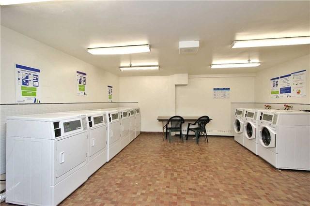 Condo Apartment at 2121 Roche Crt, Unit 628, Mississauga, Ontario. Image 9