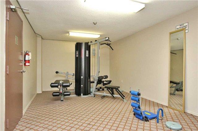 Condo Apartment at 2121 Roche Crt, Unit 628, Mississauga, Ontario. Image 13