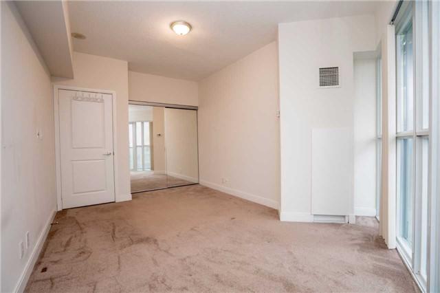 Condo Apartment at 60 Absolute Ave, Unit 908, Mississauga, Ontario. Image 6