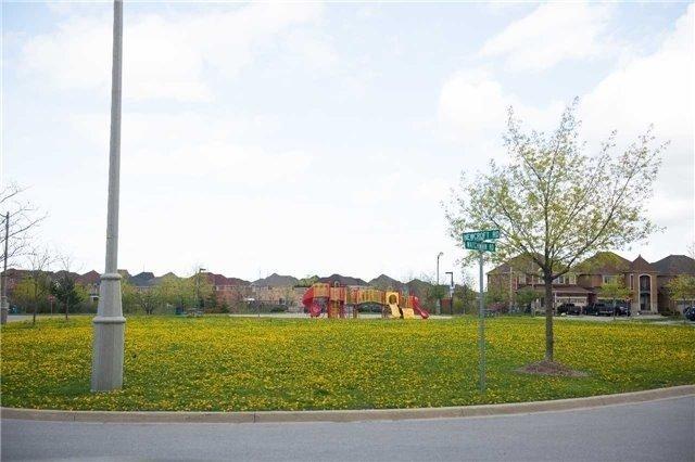 Detached at 85 Watchman Rd, Brampton, Ontario. Image 8