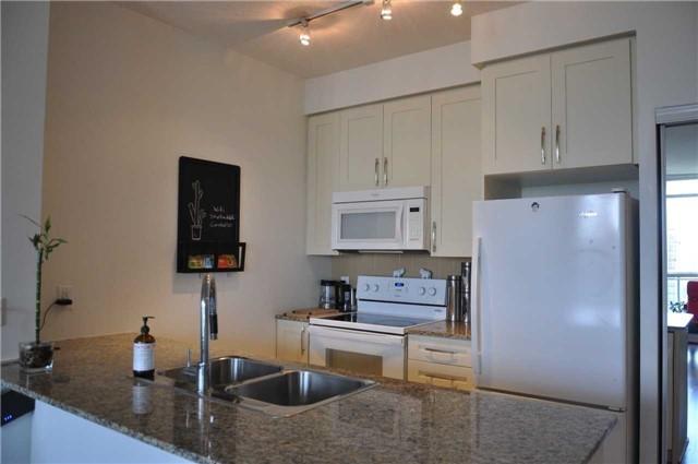 Condo Apartment at 4070 Confederation Pkwy, Unit 2410, Mississauga, Ontario. Image 18