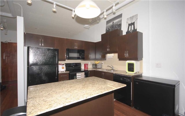 Condo Apartment at 2 Fieldway Rd, Unit 408, Toronto, Ontario. Image 15