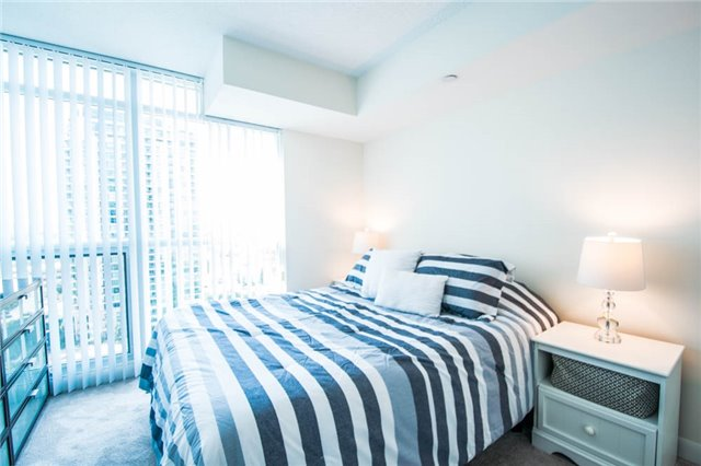 Condo Apartment at 205 Sherway Gardens Rd, Unit 1501, Toronto, Ontario. Image 4