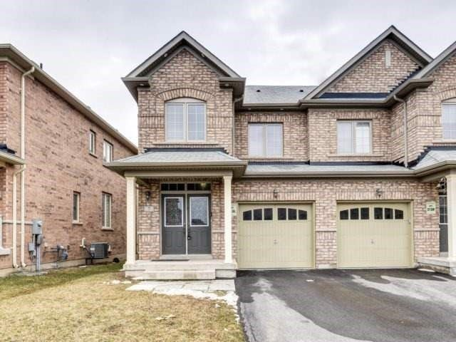 Semi-detached at 7 Interlude Dr, Brampton, Ontario. Image 1