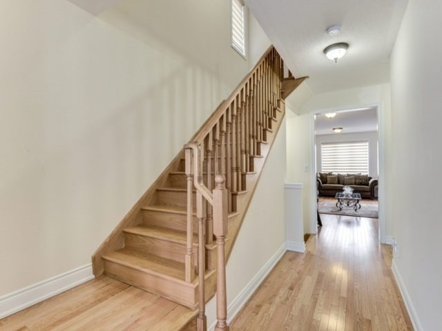 Semi-detached at 7 Interlude Dr, Brampton, Ontario. Image 2