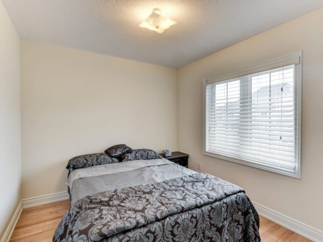 Semi-detached at 7 Interlude Dr, Brampton, Ontario. Image 6