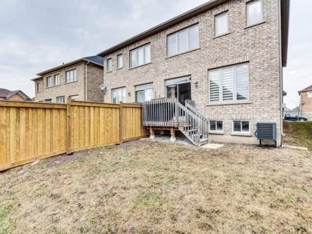 Semi-detached at 7 Interlude Dr, Brampton, Ontario. Image 13