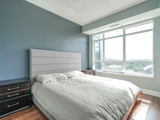 Condo Apartment at 35 Fontenay Crt, Unit 508, Toronto, Ontario. Image 19