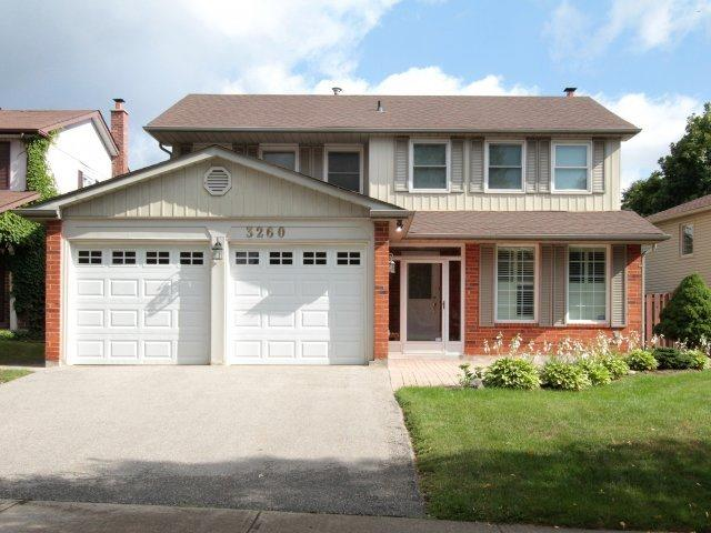 Detached at 3260 Sir John's Homstead, Mississauga, Ontario. Image 1