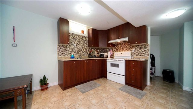 Detached at 41 Orchid Dr, Brampton, Ontario. Image 13