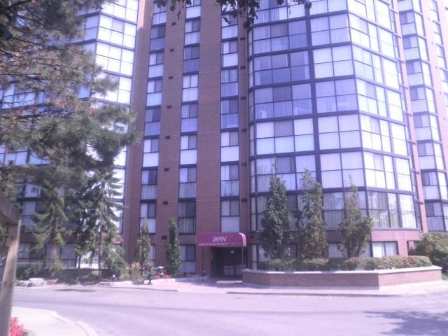 Condo Apartment at 2091 Hurontario St, Mississauga, Ontario. Image 1