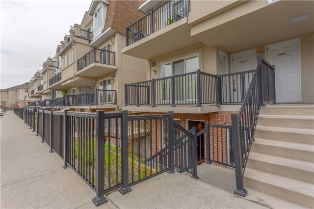Condo Townhouse at 3035 Finch Ave W, Unit 1001, Toronto, Ontario. Image 12