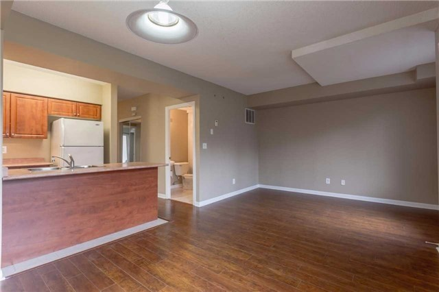 Condo Townhouse at 3035 Finch Ave W, Unit 1001, Toronto, Ontario. Image 14