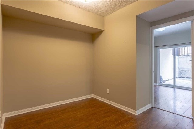 Condo Townhouse at 3035 Finch Ave W, Unit 1001, Toronto, Ontario. Image 19