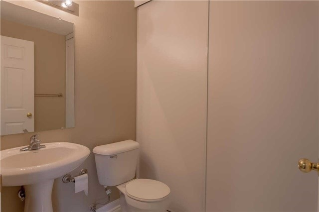 Condo Townhouse at 3035 Finch Ave W, Unit 1001, Toronto, Ontario. Image 3