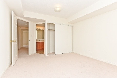Condo Townhouse at 3035 Finch Ave W, Unit 1001, Toronto, Ontario. Image 8
