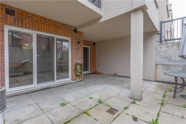 Condo Townhouse at 3035 Finch Ave W, Unit 1001, Toronto, Ontario. Image 9
