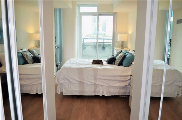 Condo Apartment at 3985 Grand Park Dr, Unit 515, Mississauga, Ontario. Image 2