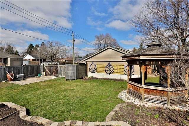 Detached at 581 Warminster Dr, Oakville, Ontario. Image 11