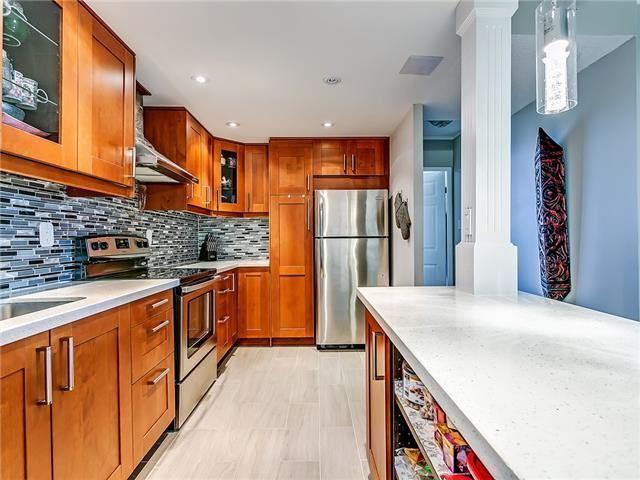 Condo Apartment at 820 Burnhamthorpe Rd, Unit 1008, Toronto, Ontario. Image 16