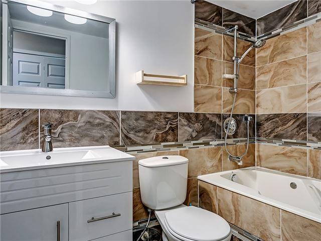 Condo Apartment at 820 Burnhamthorpe Rd, Unit 1008, Toronto, Ontario. Image 3