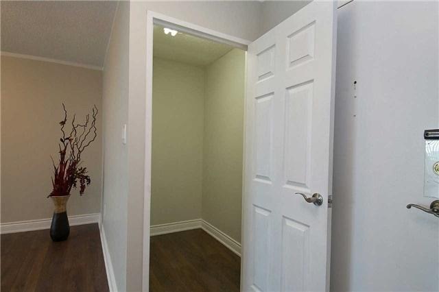 Condo Apartment at 820 Burnhamthorpe Rd, Unit 1008, Toronto, Ontario. Image 10